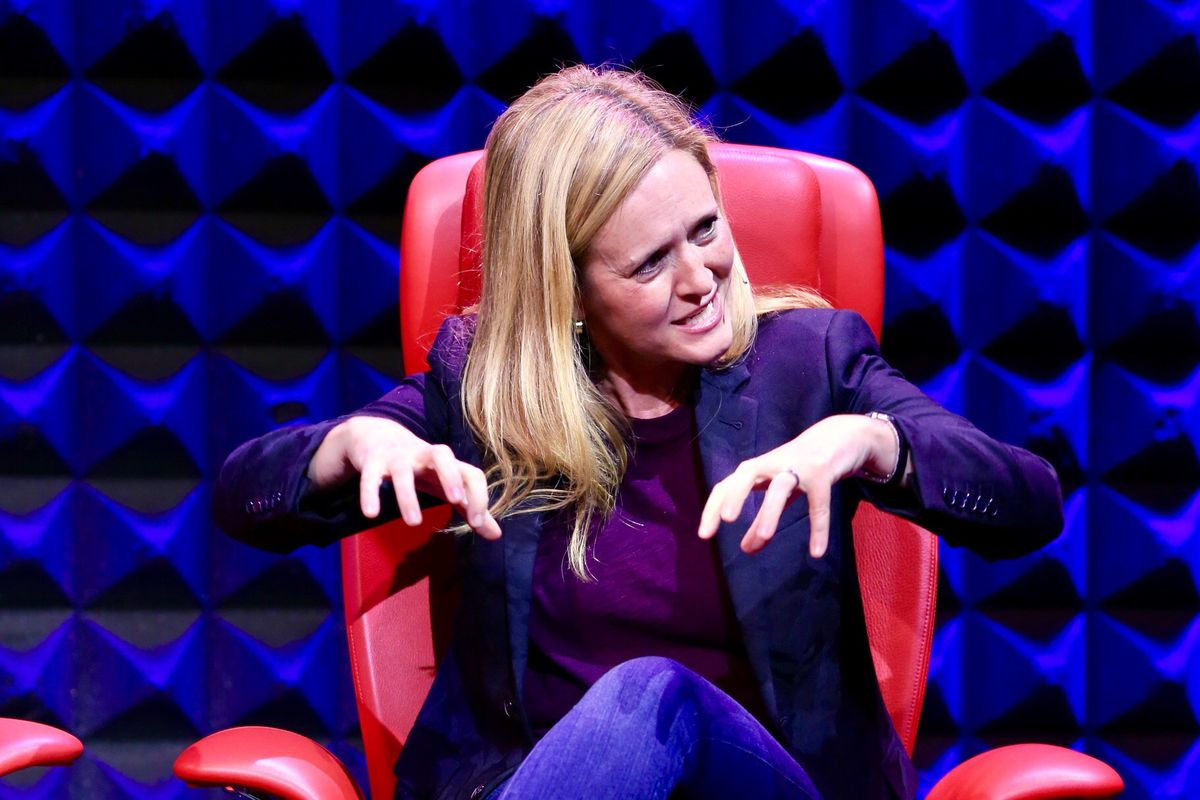 """""""Full Frontal"""" host Samantha Bee mimes an unwanted shoulder massage."""