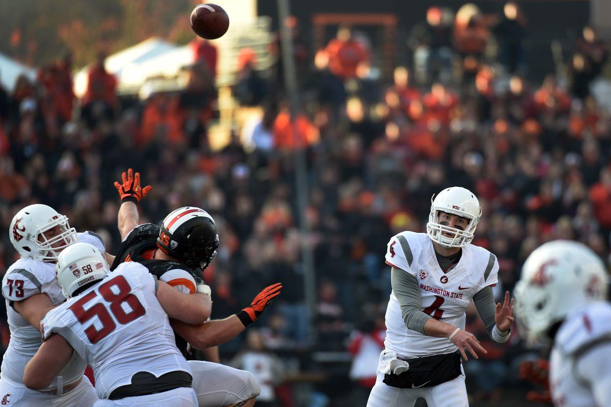 Luke Falk shred's Oregon State for 471 yards.
