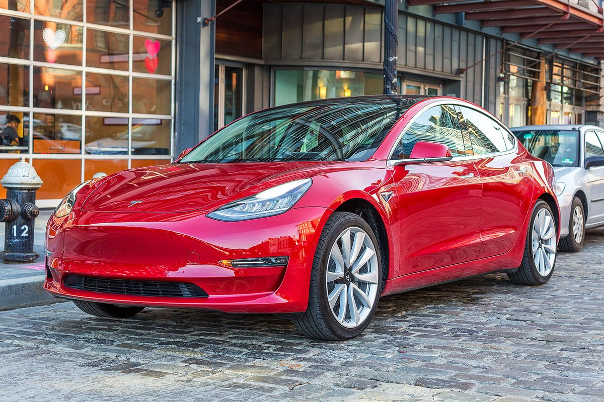 Tesla's original plan for the $35,000 Model 3 is dead - The Verge