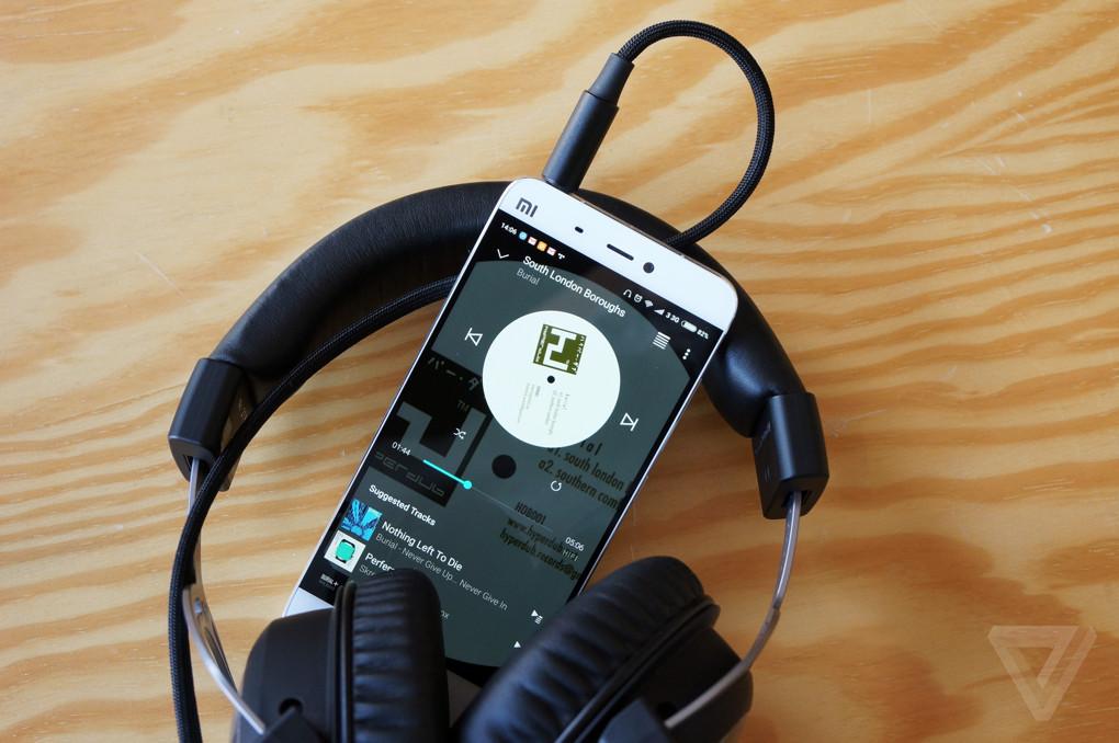 Beyerdynamic T5p.2 headphones gallery