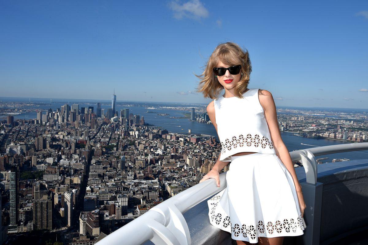 Taylor Swift 40