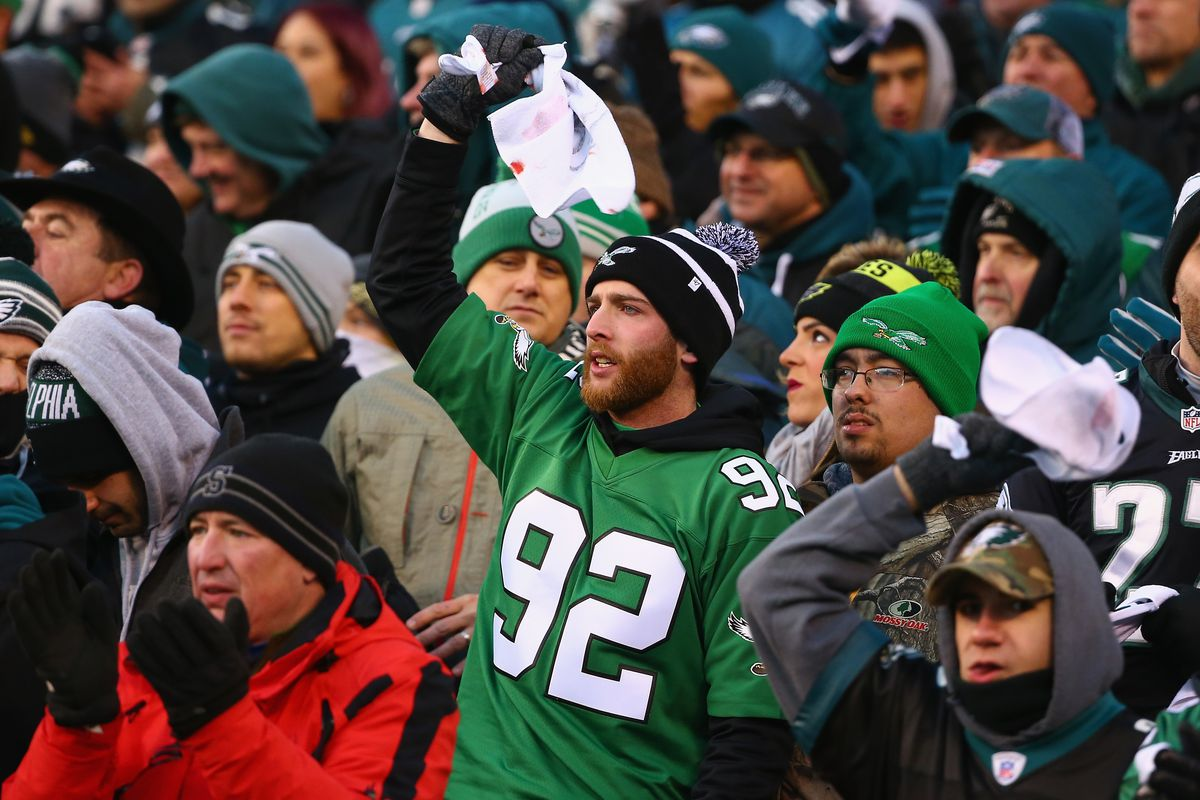 Minnesota Travel Agent Compares Eagles Fans To Gang Members