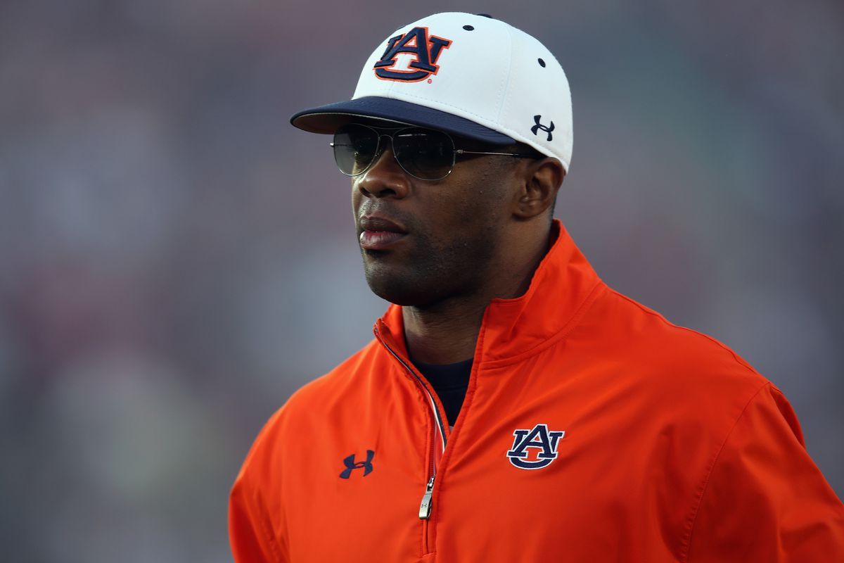 Top recruiter Dameyune Craig was key in putting together a top-10 2014 class. Can he and Auburn do even better in 2015?