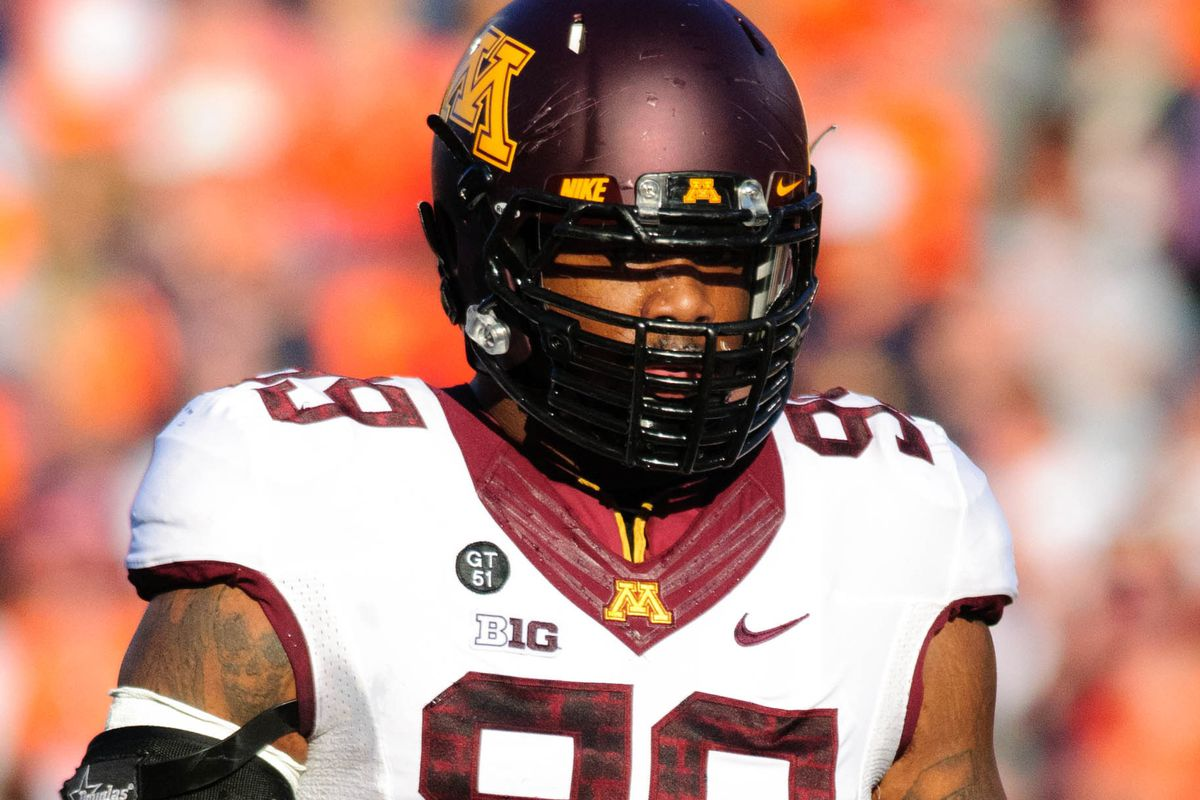 Ra'Shede Hageman is a first round defensive tackle, but he sits back and watches the Miami Dolphins pass him over for another DT option with the 19th pick in Kevin Nogle's latest mock draft.