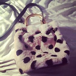 """""""@marcjacobsint @snapette how amazing is my new fall bag???"""""""