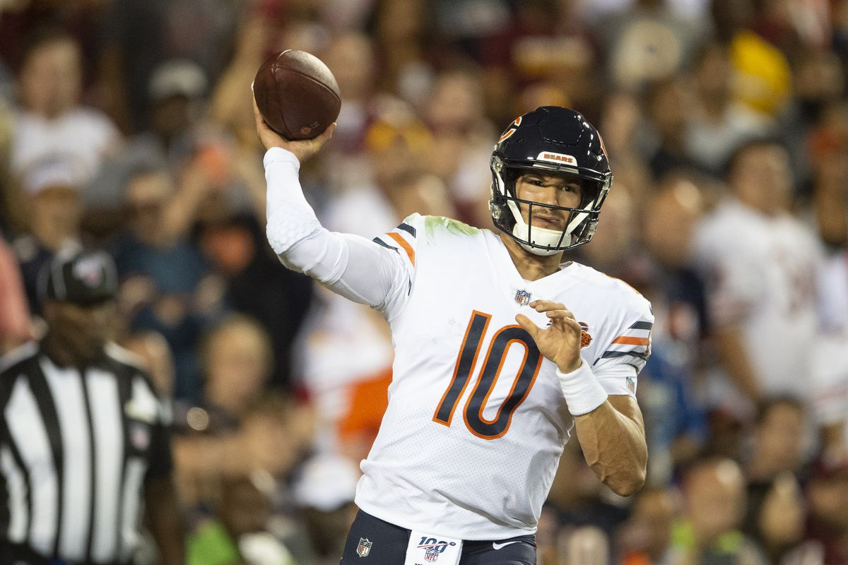 Chicago Bears quarterback Mitchell Trubisky drops back to pass during the first quarter against Washington at FedExField.