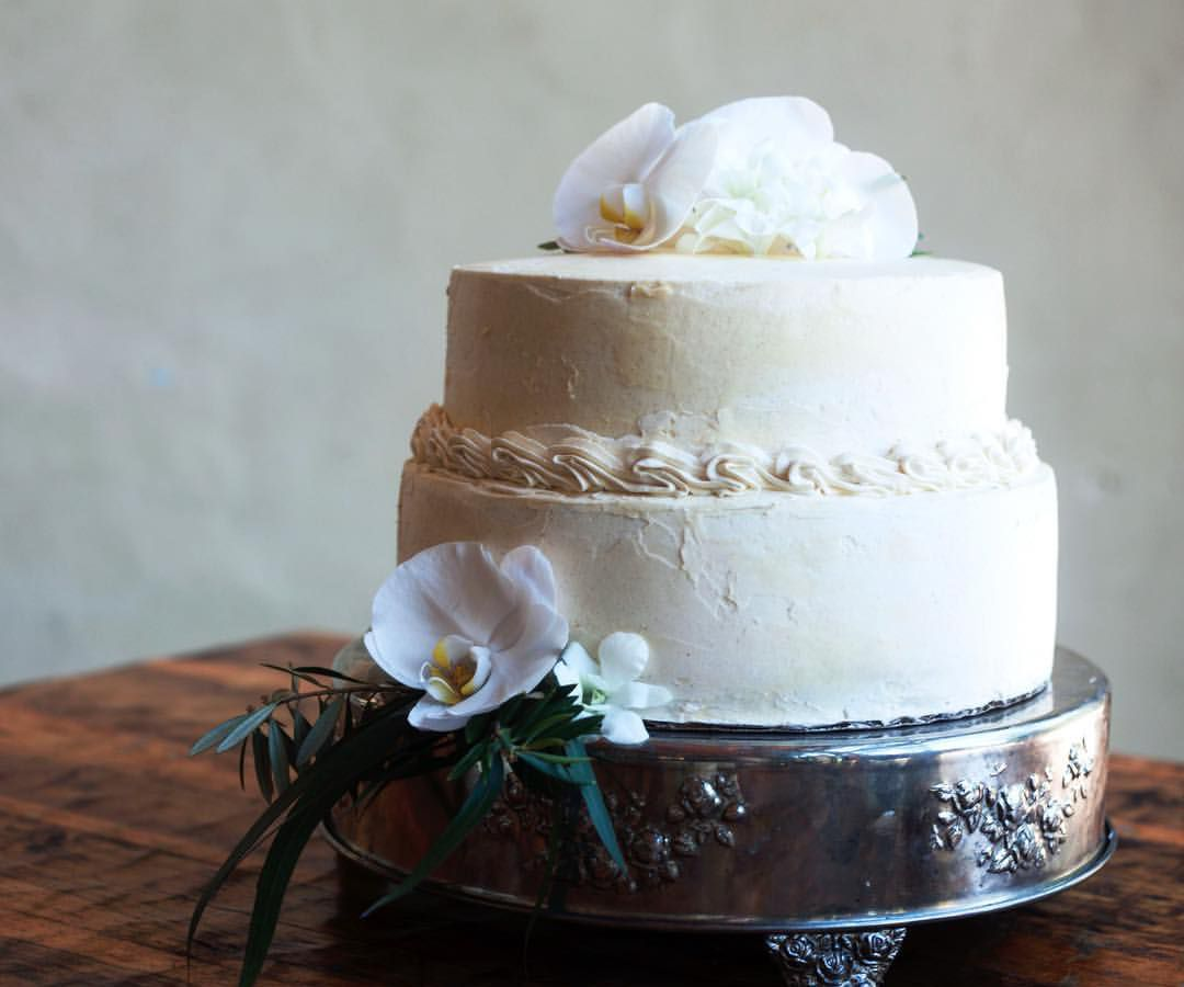 Beautiful Wedding Cakes By The Baking Grounds Bakery Café: Best Wedding Cake Bakeries In Austin