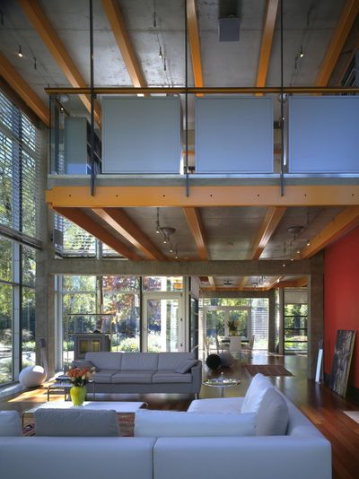 In the case of Chicago-based architect Thomas Roszak's personal residence  in suburban Northfield, Illinois, ...