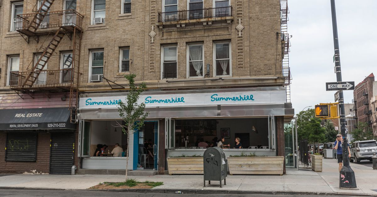 Once-?Racist? Brooklyn Bar Summerhill Now Attracts Tons of Black Patrons