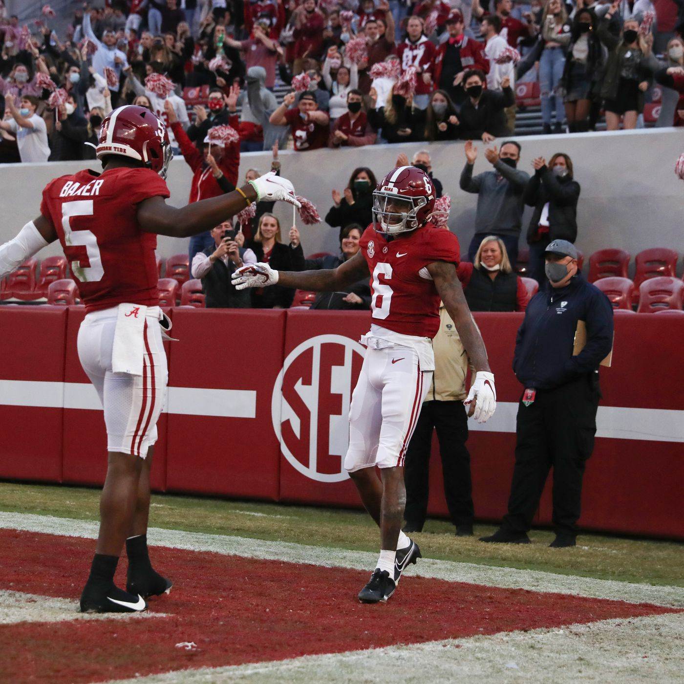 Alabama Football Vs Lsu Preview Can The Tiger Defense Slow Down Mac Jones And The Crimson Tide Offense Roll Bama Roll