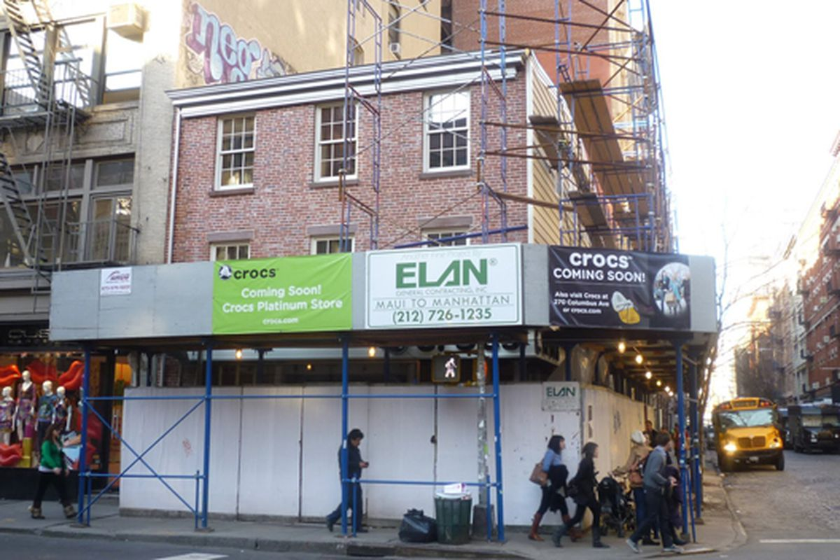 """Image via <a href=""""http://lostnewyorkcity.blogspot.com/2010/03/crocs-store-looking-little-over.html"""">Lost City</a>"""