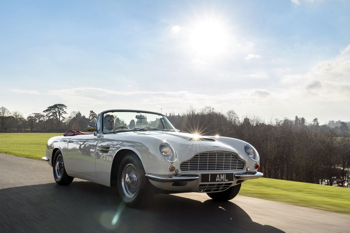 Cars Aston Martin: Aston Martin Will Make Old Cars Electric So They Don't Get