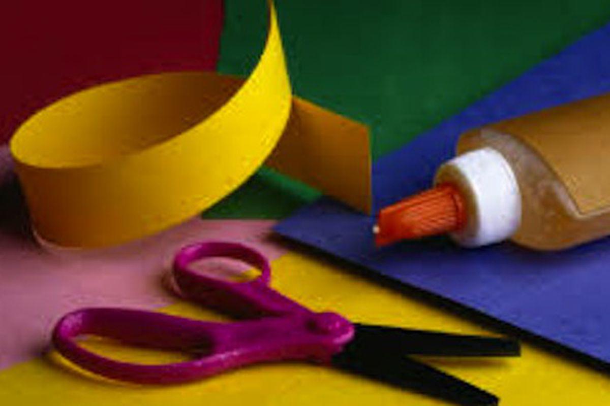 "Image via <a href=""http://www.osagecitylibrary.org/make-it-and-take-it-crafts-2/"">Make It and Take It Crafts</a>"