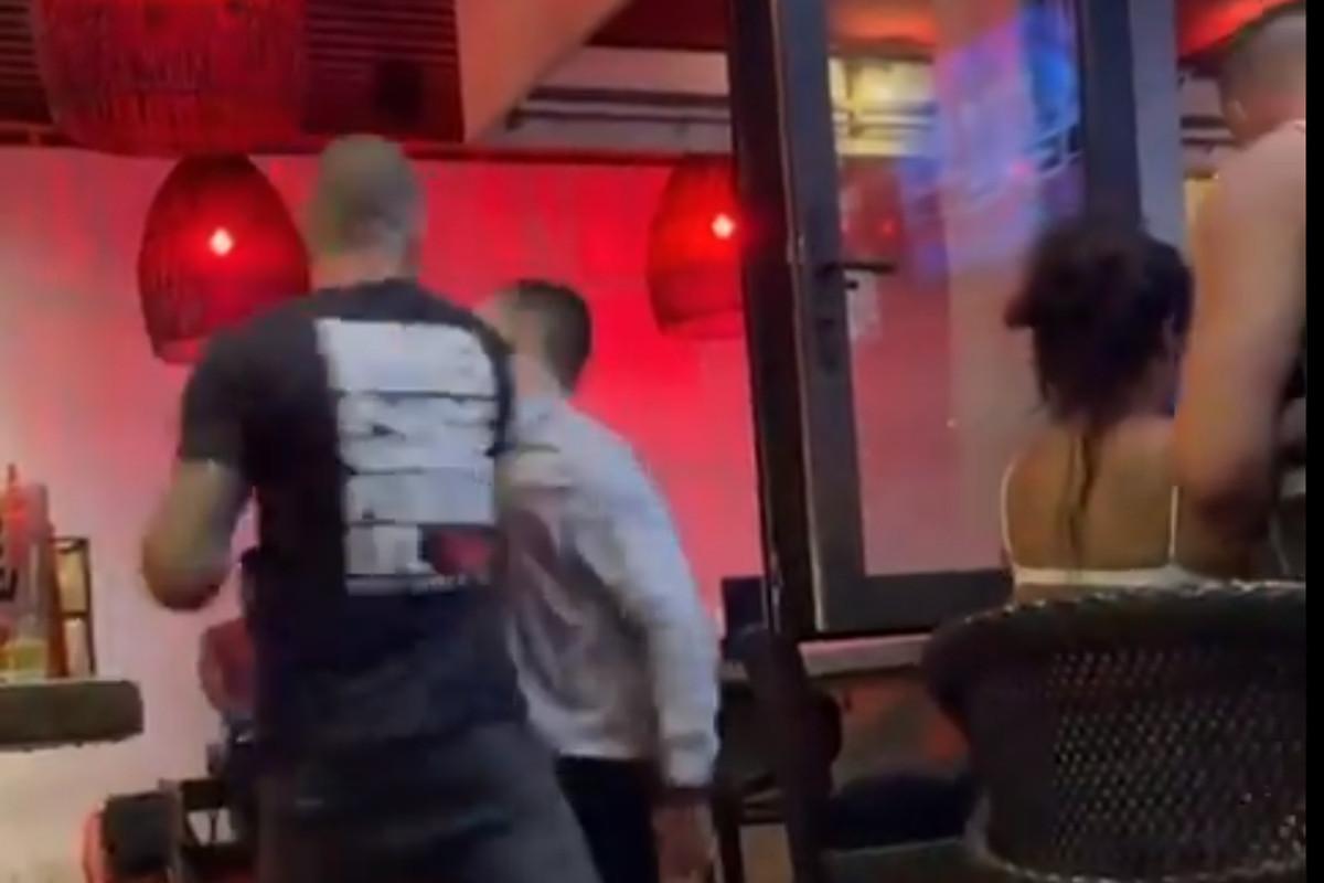 Joe Schilling knocks out man in a bar. Video via Twitter.