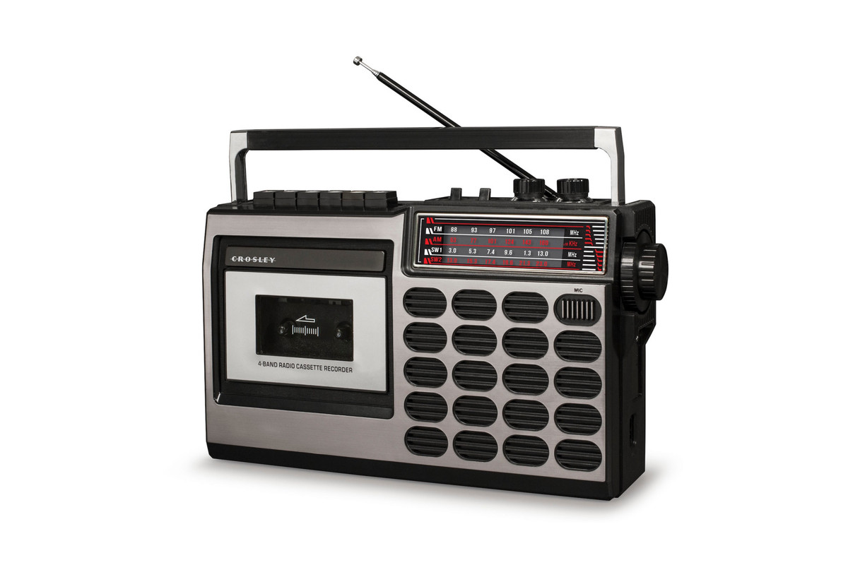 Crosley Is Bringing Back Retro Cassette Decks The Verge Pocket Vu Meter Company Best Known For Making Those Junky 100 Turntables You Can Find At Target Or Buy Expanding Into A Different Era Of Musical