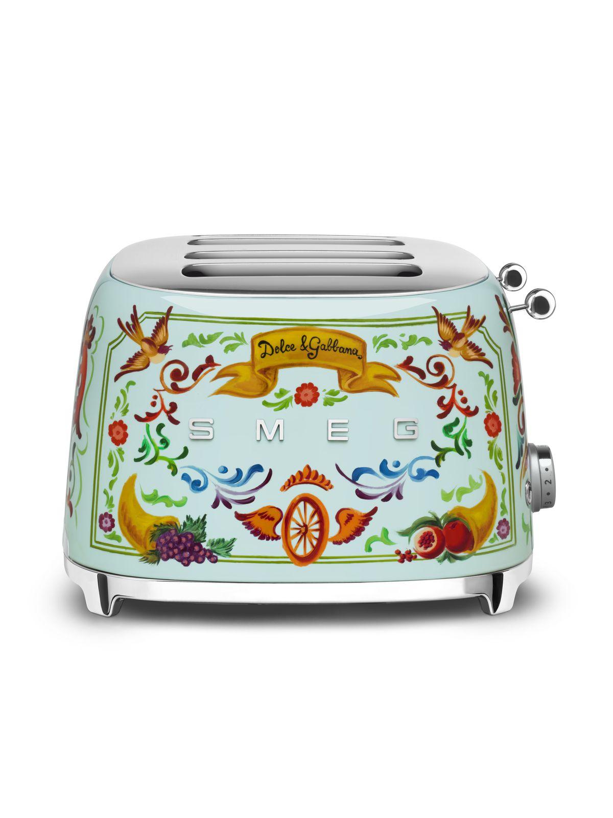 c9cd75b743e Dolce   Gabbana for Smeg kitchen appliances expands again - Curbed