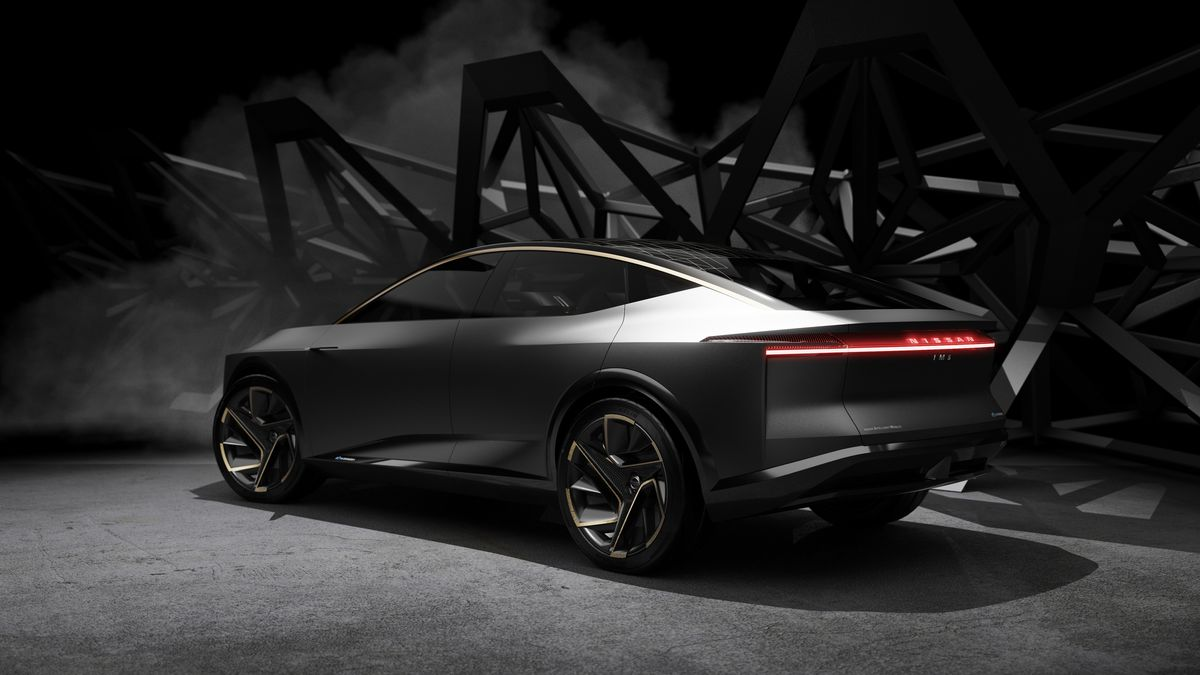 Nissan Luxury Car >> Nissan S New Ev Concept Is A Luxury Sedan With 380 Miles Of