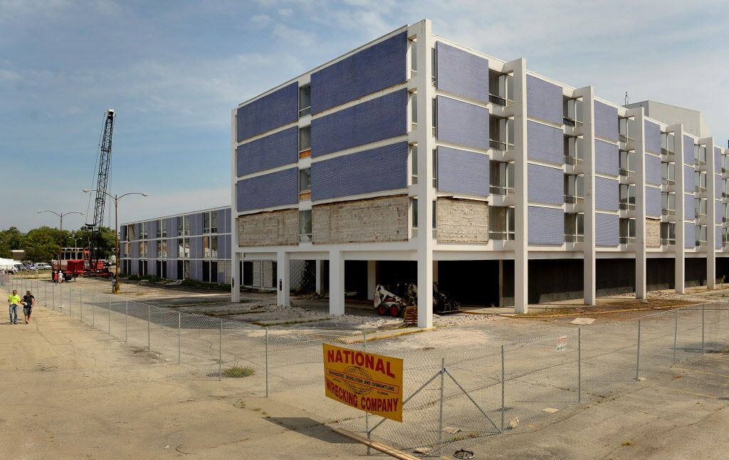 The start of demolition in August 2013 at the Purple Hotel in Lincolnwood.   Sun-Times files