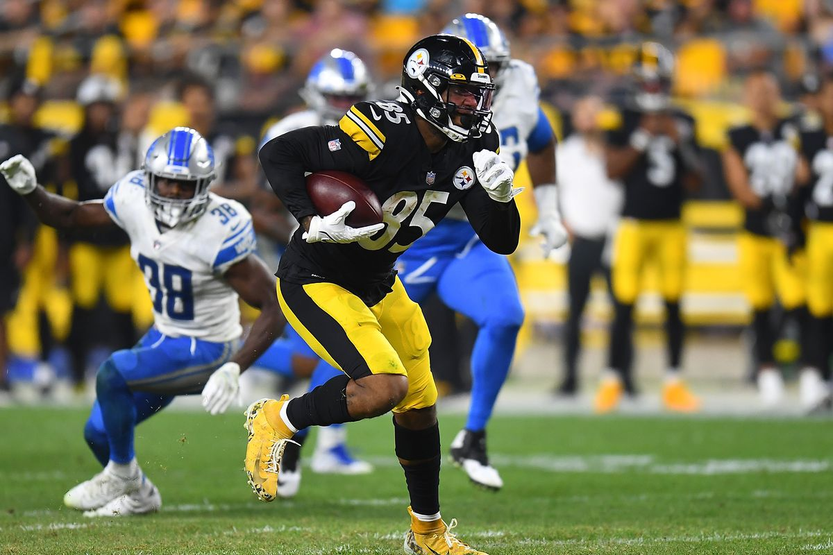 Eric Ebron #85 of the Pittsburgh Steelers in action during the game against the Detroit Lions at Heinz Field on August 21, 2021 in Pittsburgh, Pennsylvania.