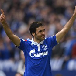Schalke's Raul of Spain celebrates his second goal during the German first division Bundesliga soccer match between FC Schalke 04 and Hannover 96 in Gelsenkirchen, Germany, Sunday, April 8, 2012.
