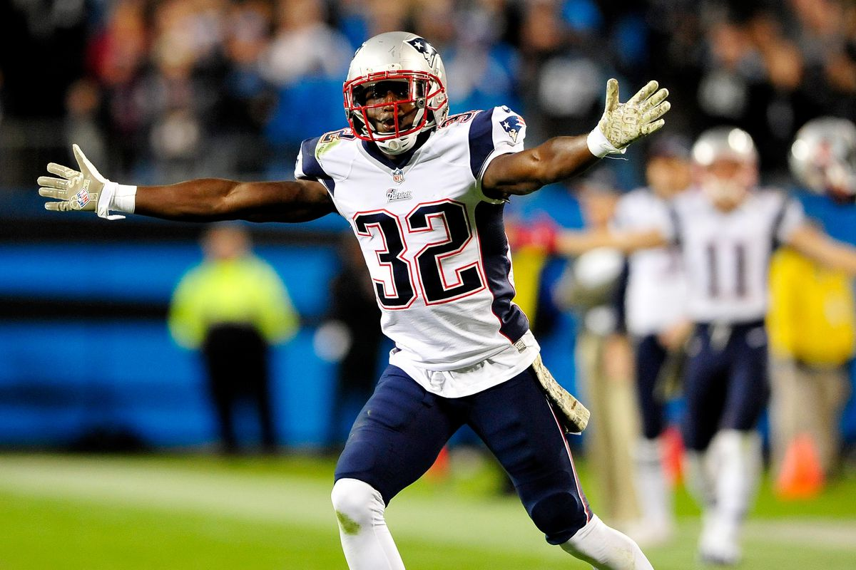 Devin McCourty re signs with Patriots Jaguars were in mix per