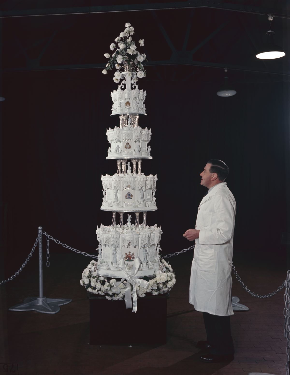 queen elizabeth ii wedding cake royal wedding cakes the years eater 18935