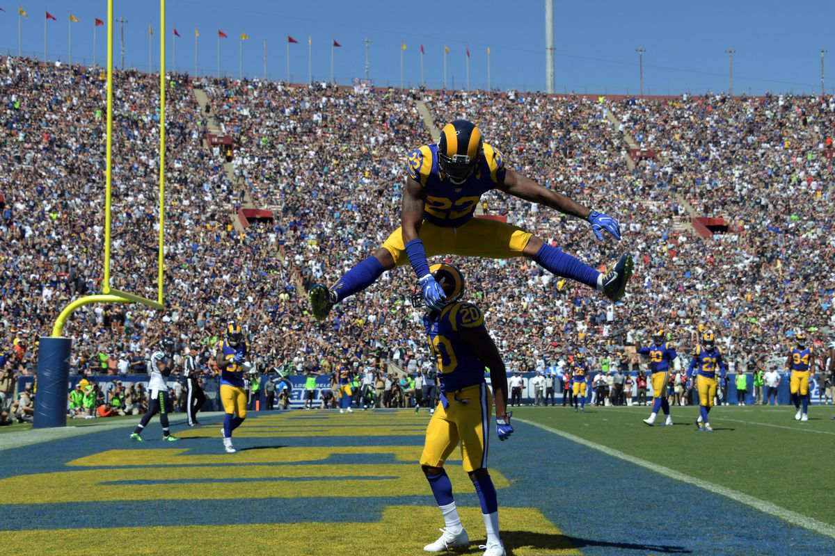 Rams News Roundup 10 4 Todd Gurley Wants You To Cheer For The Rams Turf Show Times
