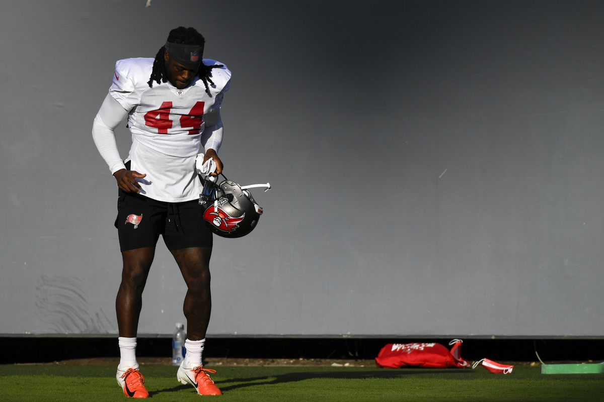 Dare Ogunbowale of the Tampa Bay Buccaneers warms up during training camp at Raymond James Stadium on September 03, 2020 in Tampa, Florida.