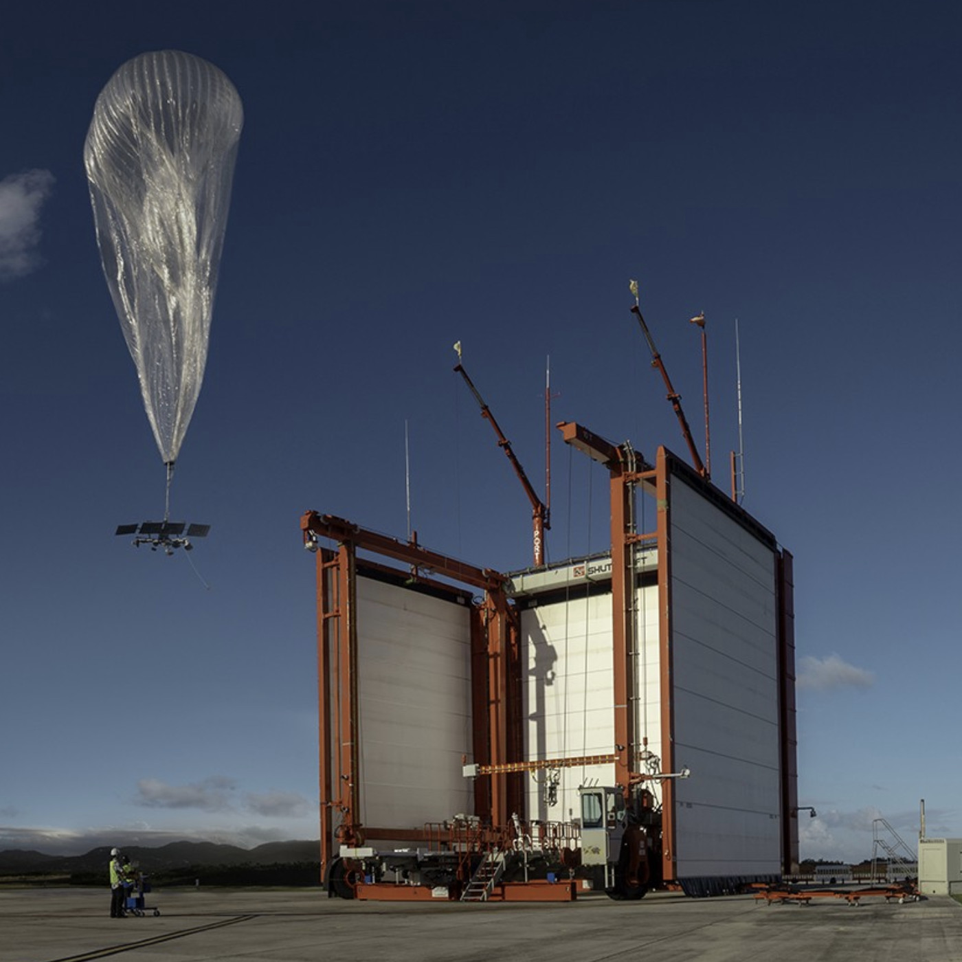 Alphabet S Loon Balloons Will Provide Internet To Remote Parts Of The Amazon Next Year The Verge