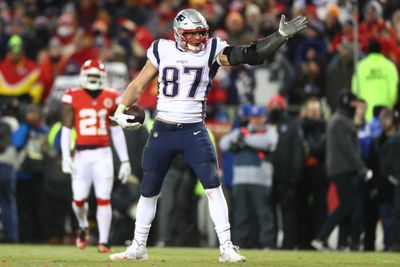 usa today 12031989 - Gronk is still Gronk when it matters most