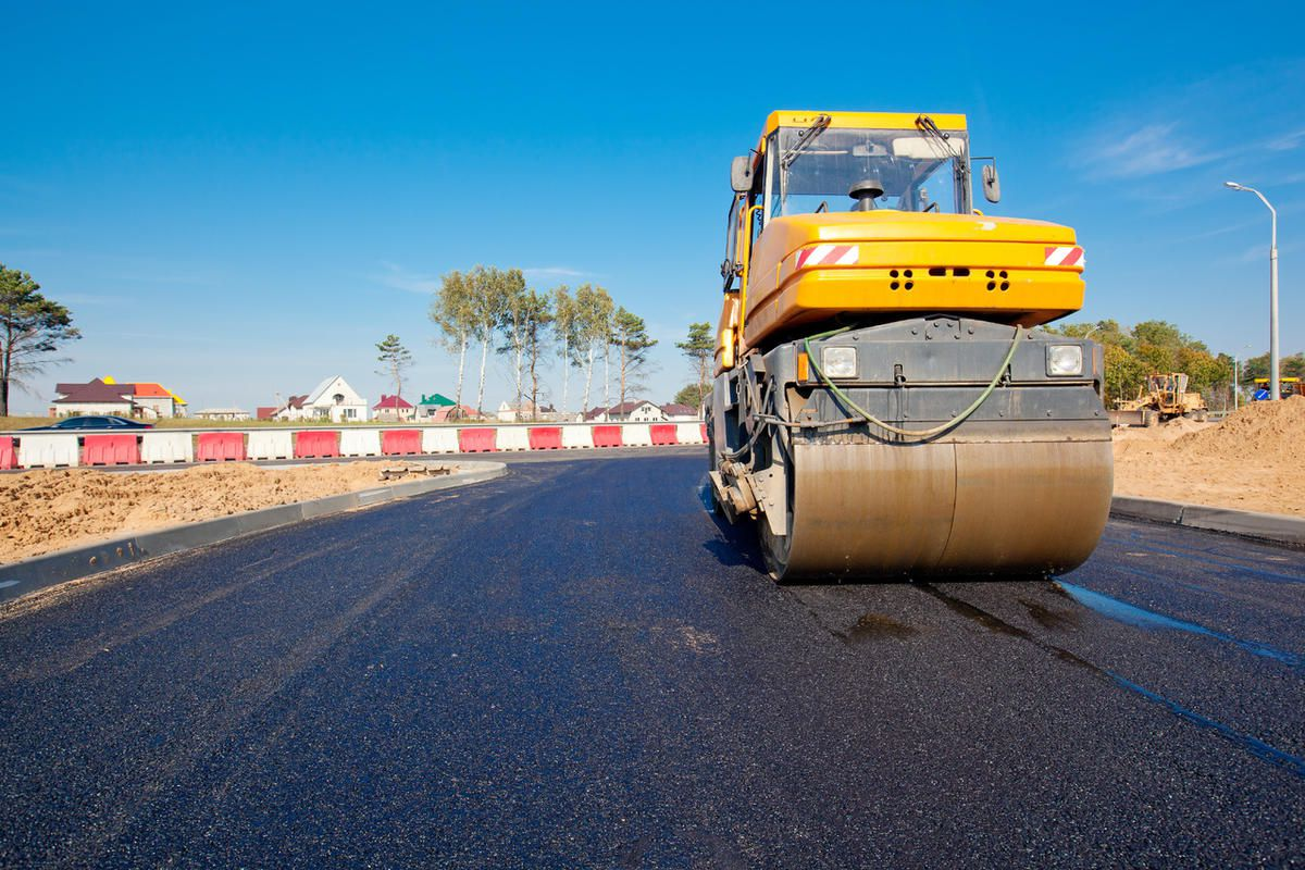 """FILE """""""" Starting Wednesday, Utah Department of Transportation crews will begin to resurface U.S. 89 from Eagle Ridge Drive to I-15 in Bountiful."""