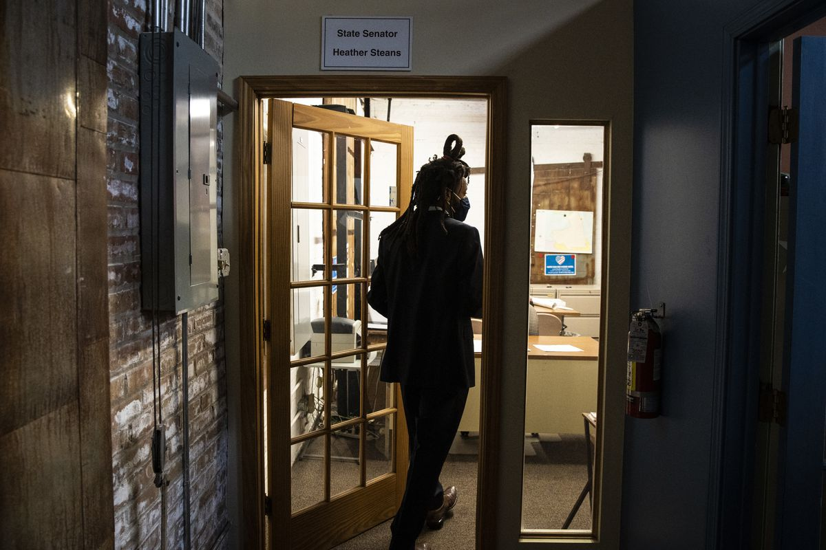 State Sen. Mike Simmons walks into his district office for the first time in the Edgewater neighborhood on Thursday.