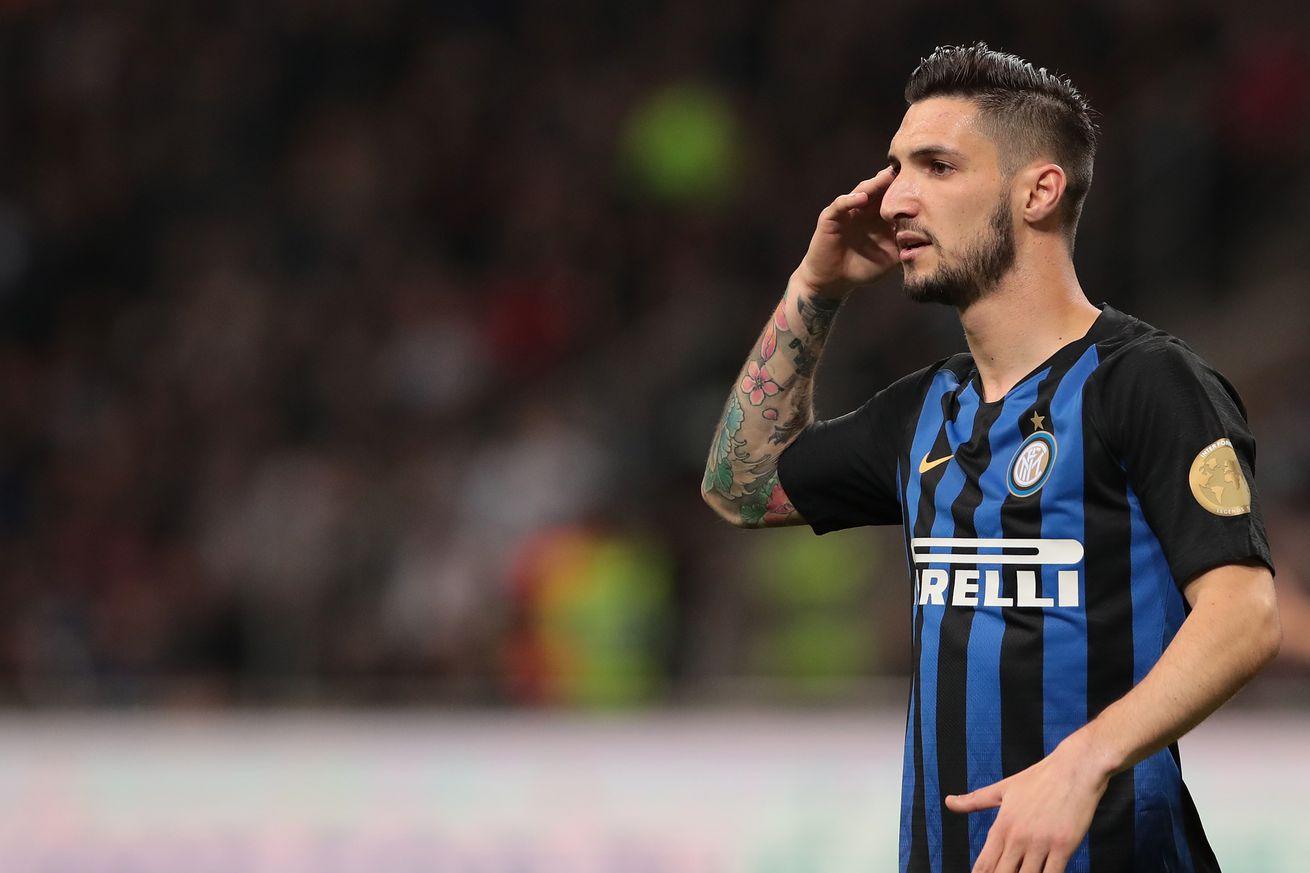 Inter Milan get past Chievo, 2-0
