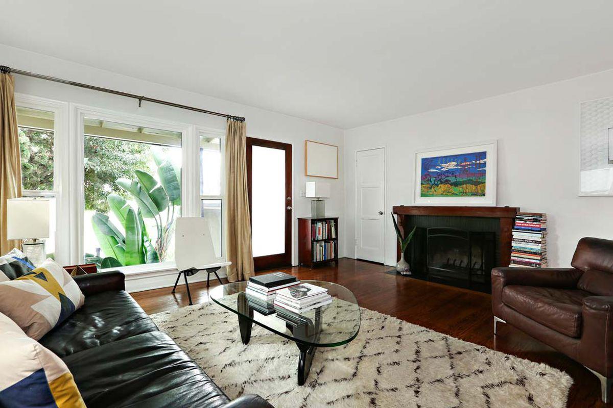 Cozy 1950s home in Eagle Rock seeks $725K - Curbed LA