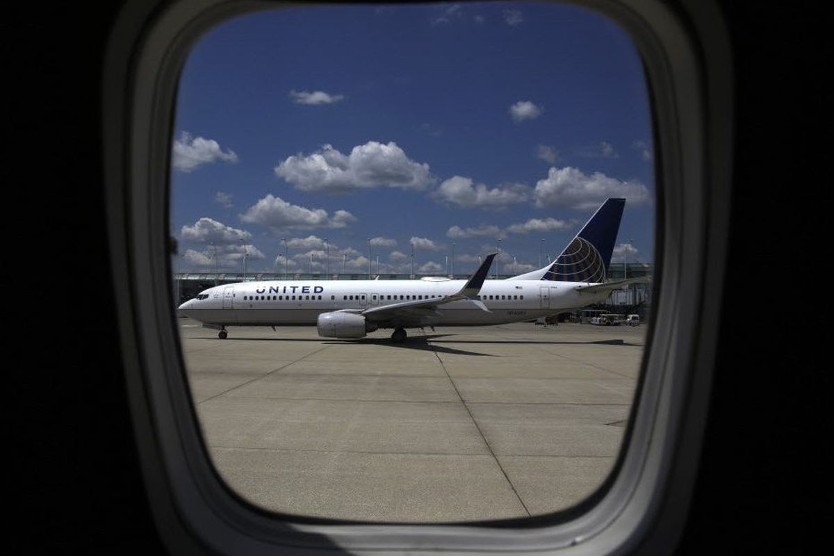 No injuries after United plane makes emergency landing at O