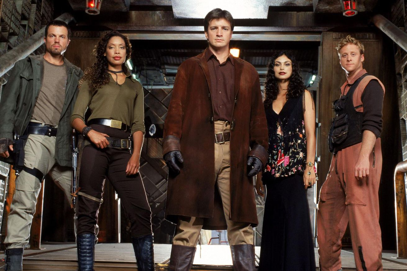 joss whedon s firefly is coming back as a series of novels