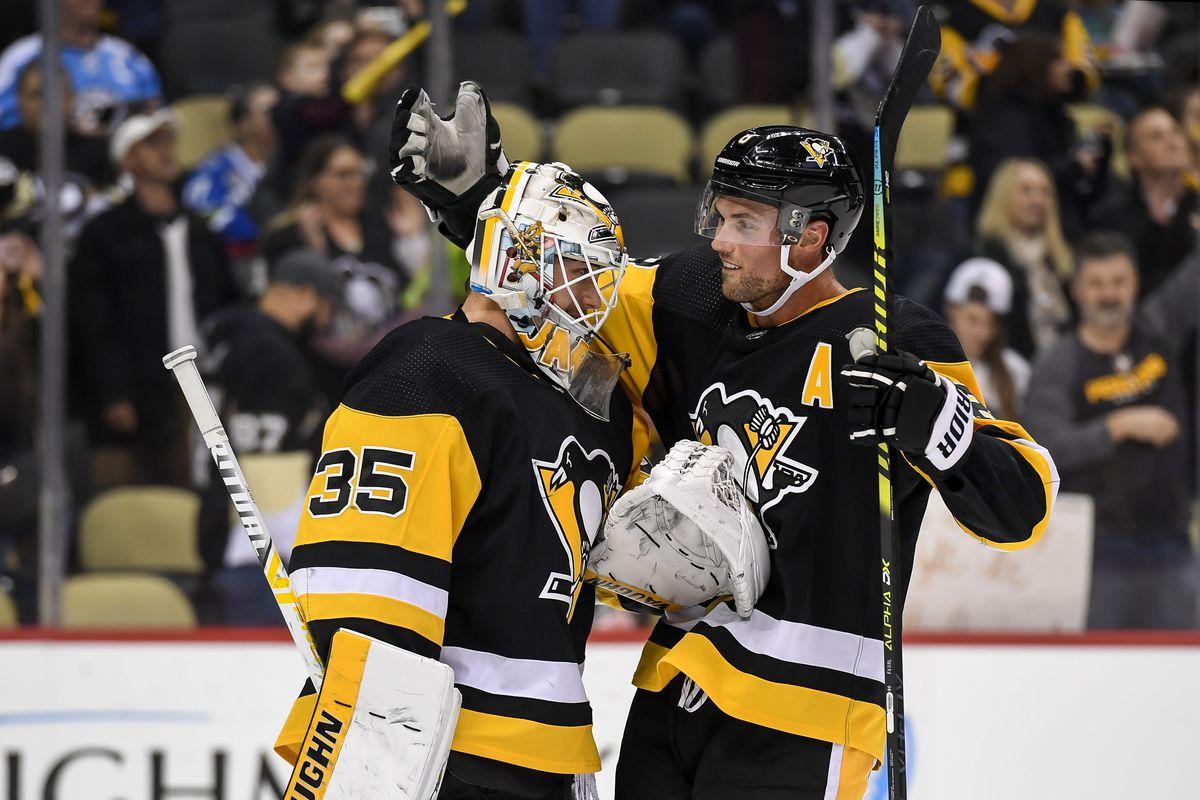 NHL: NOV 27 Canucks at Penguins