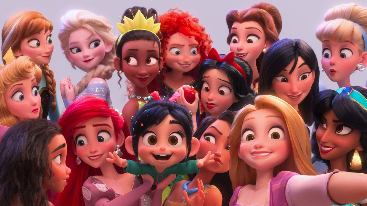 Ralph Breaks the Internet - Disney princesses take a selfie