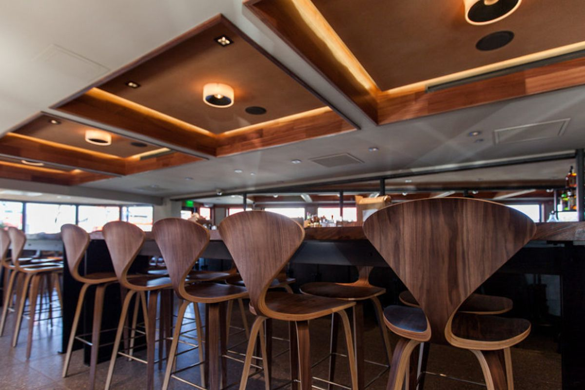 """<a href=""""http://sf.eater.com/archives/2013/09/23/fog_city_a_revamped_embarcadero_classic.php"""">Fog City Diner, SF</a>"""