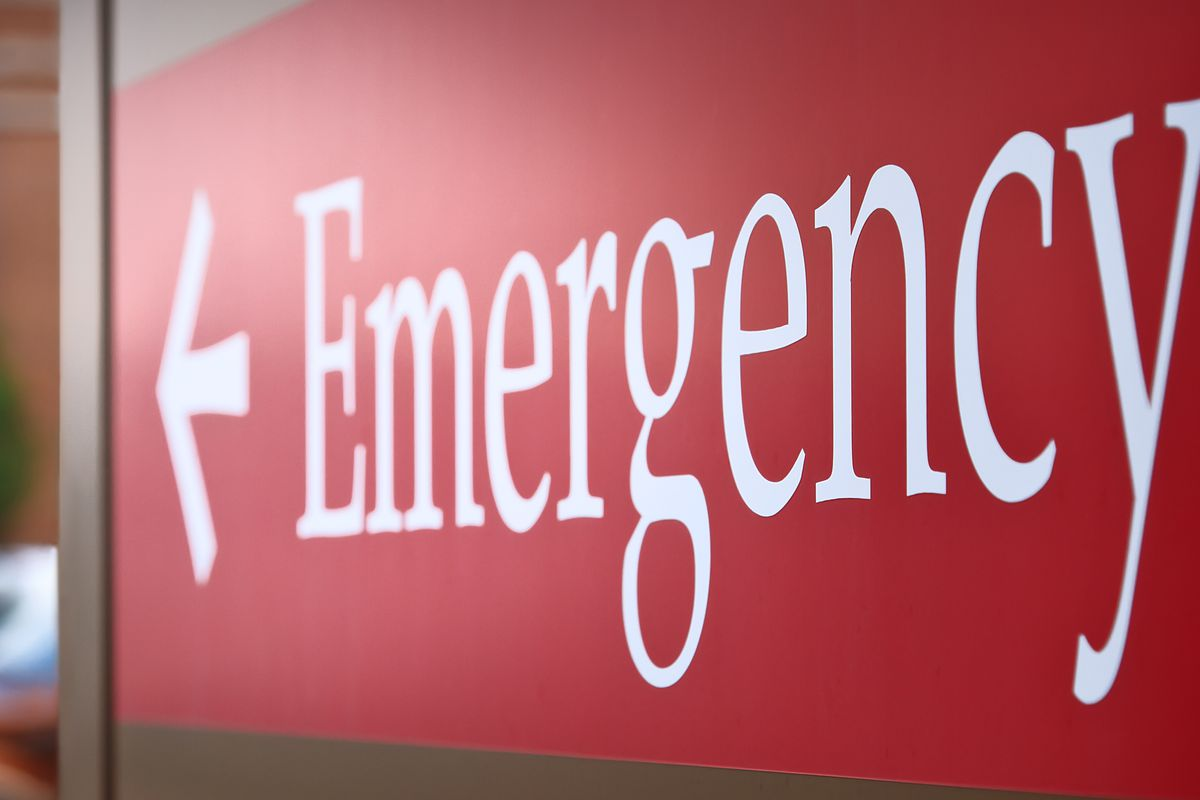Man hit in the head, critically injured in Englewood