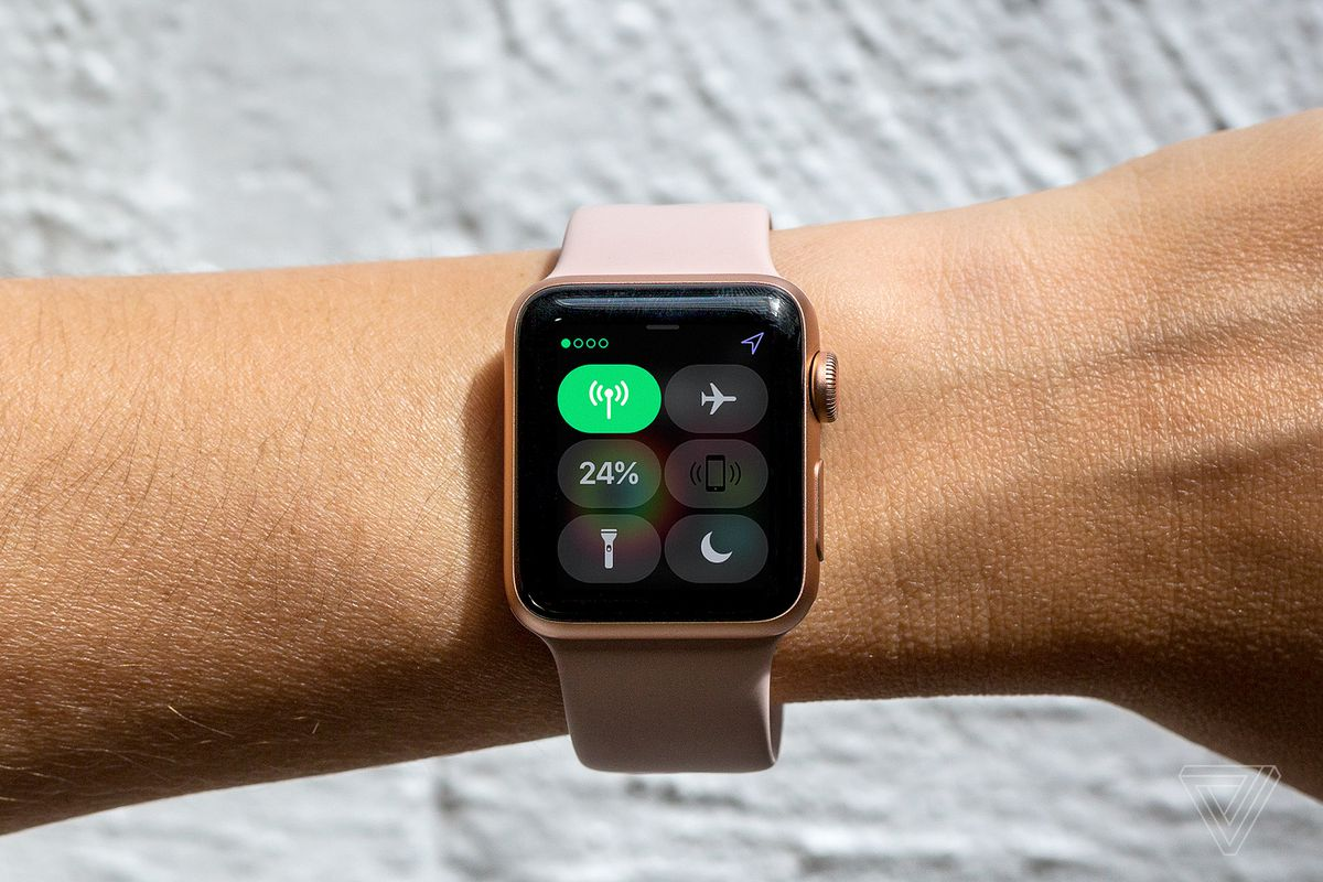 Apple, FitBit Will Join FDA Program Meant to Speed Health Tech