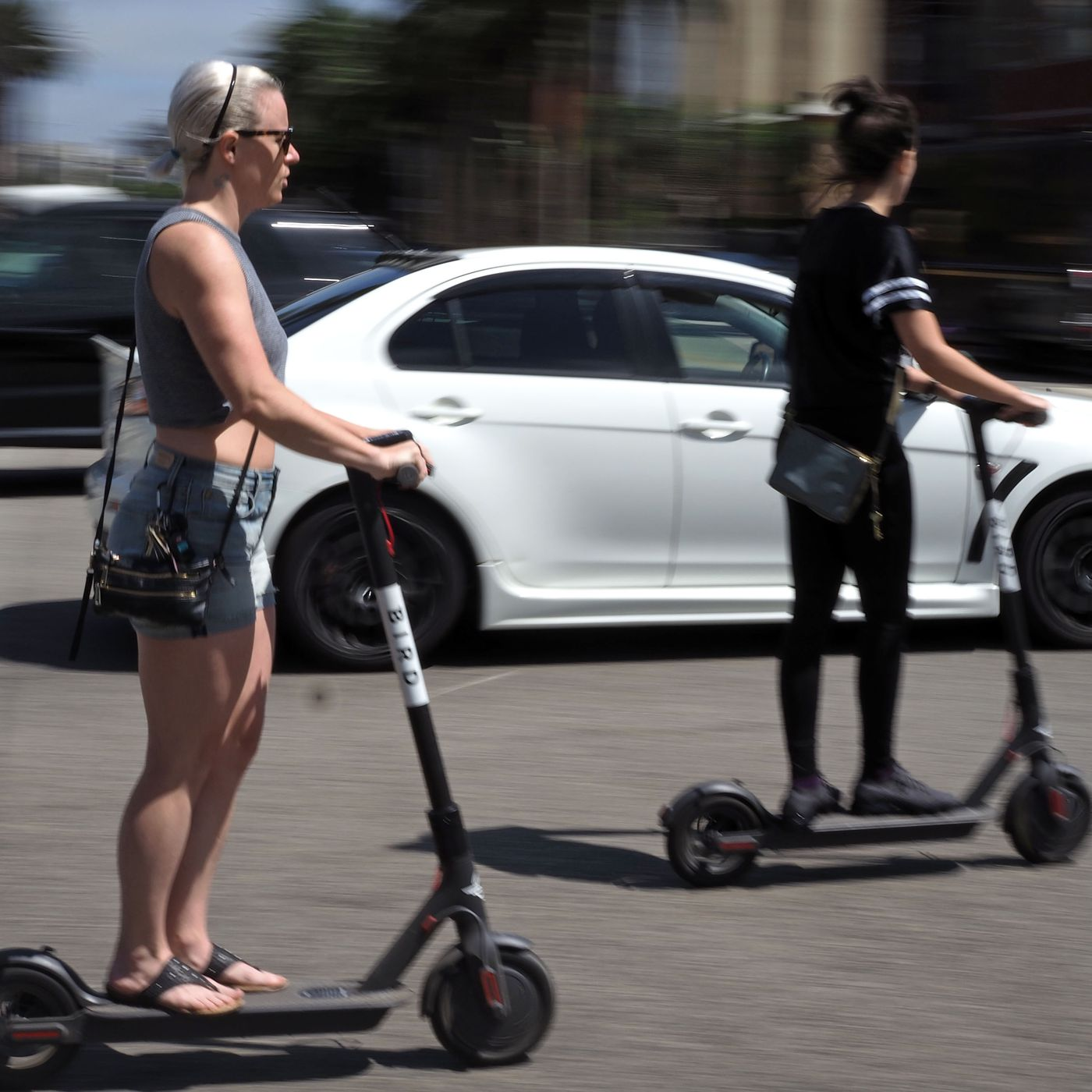 Electric scooters in Chicago: Everything you need to know - Chicago