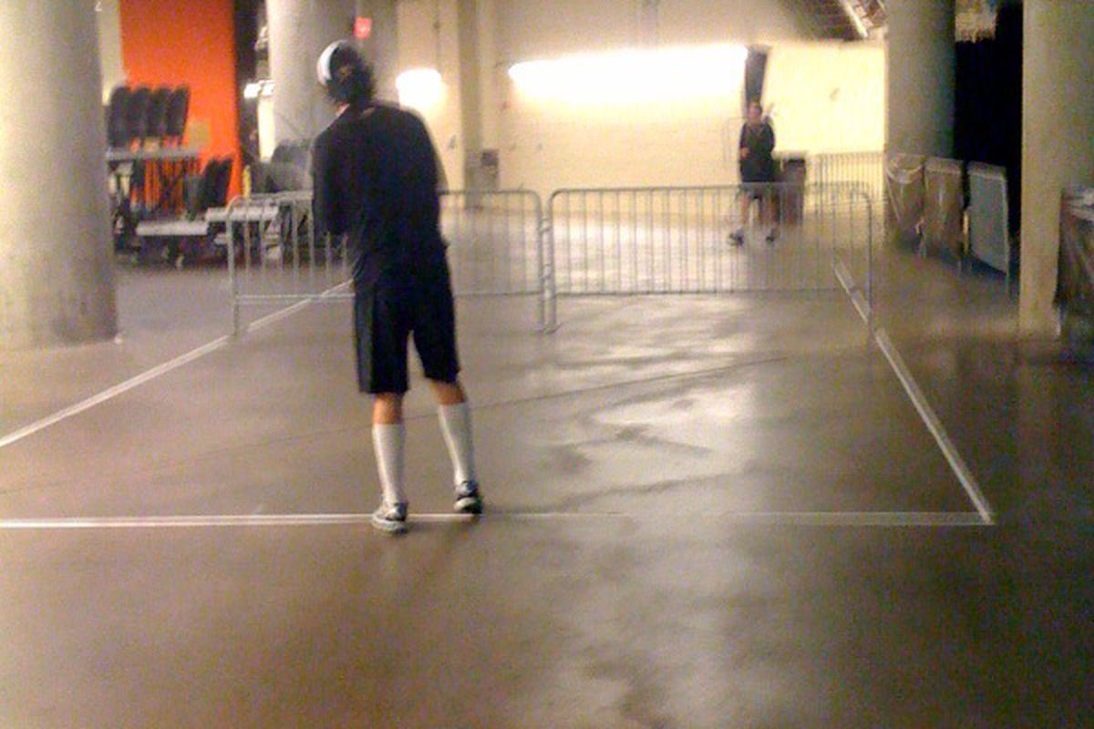 James Neal and Loui Eriksson getting their morning workout in. With tennis rackets.