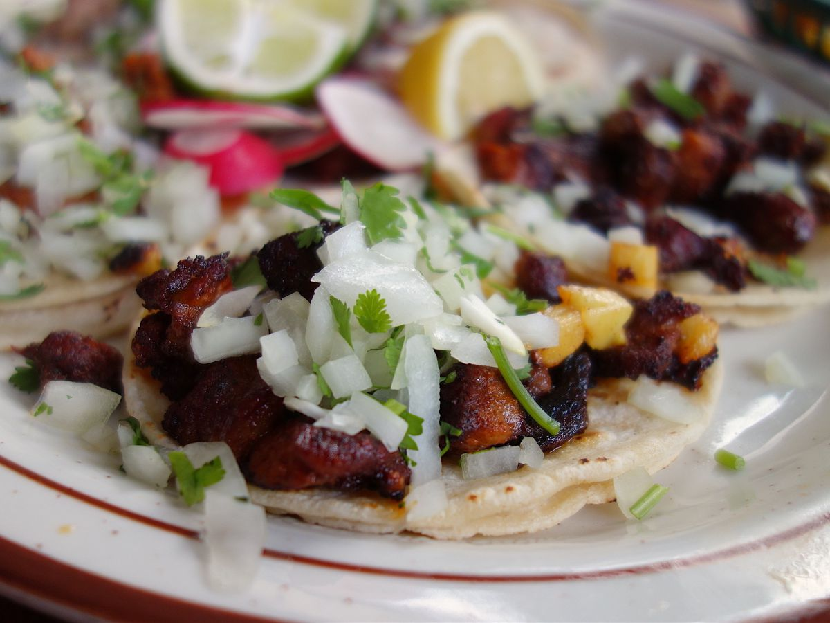 Plate of assorted tacos