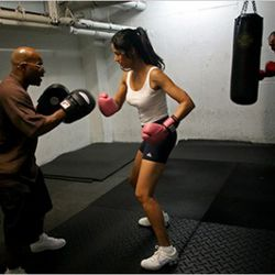 """Okay, she's not really a chef, but here's Top Chef host Padma Lakshmi boxing. (Photo: <a href=""""http://www.nytimes.com/2009/08/06/health/nutrition/06fitness.html"""" rel=""""nofollow"""">Yana Paskova/NYT</a>)<br />"""