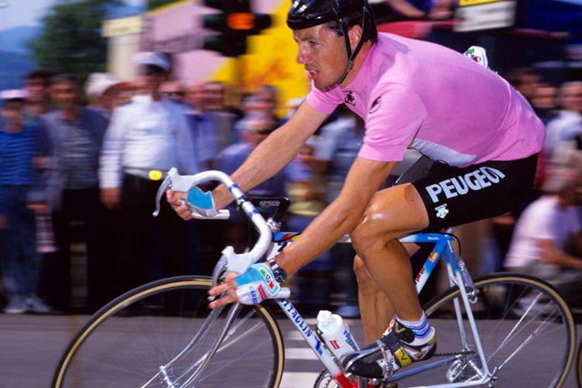 Stephen Roche in the maglia rosa