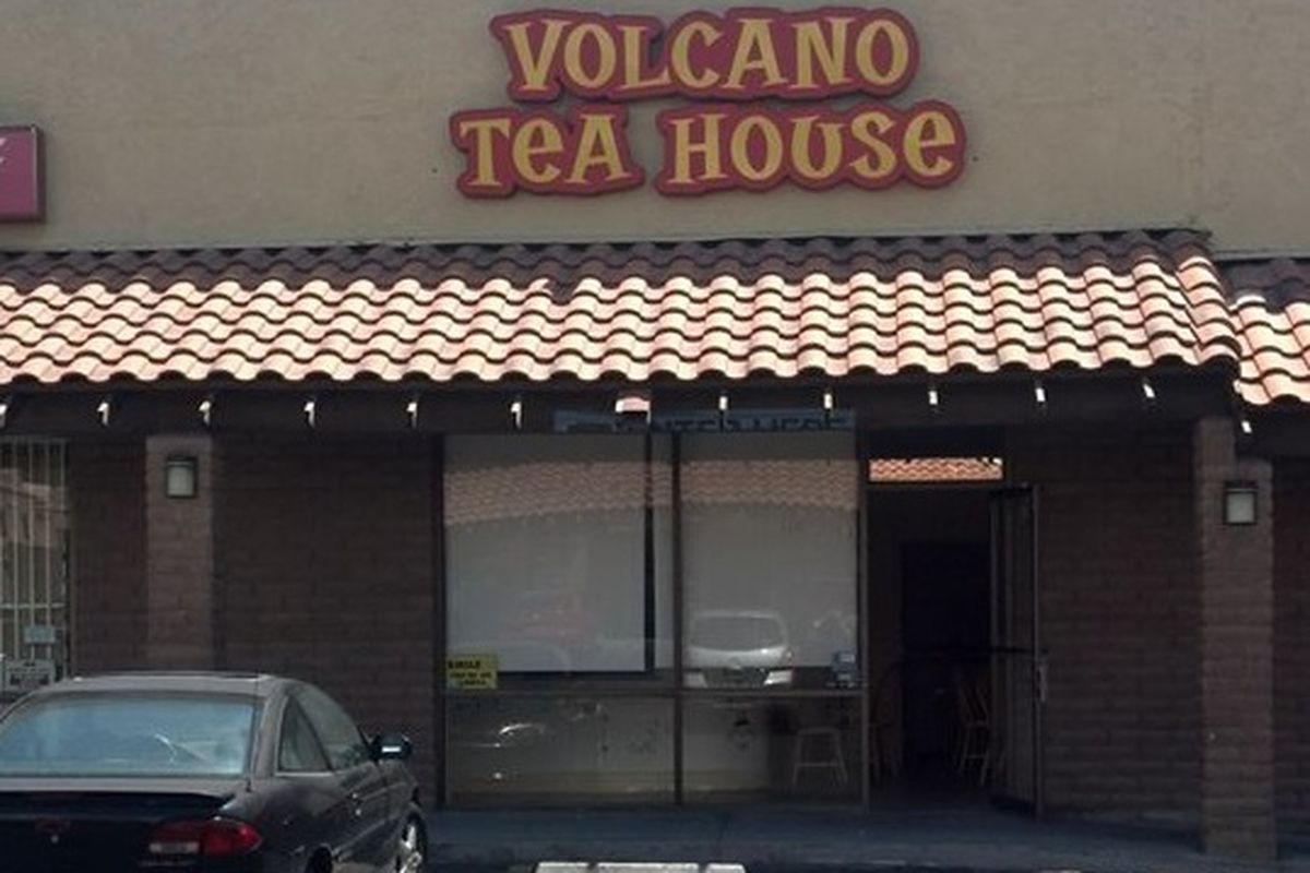 Former Volcano Tea House, soon to be SnowFlake Shavery