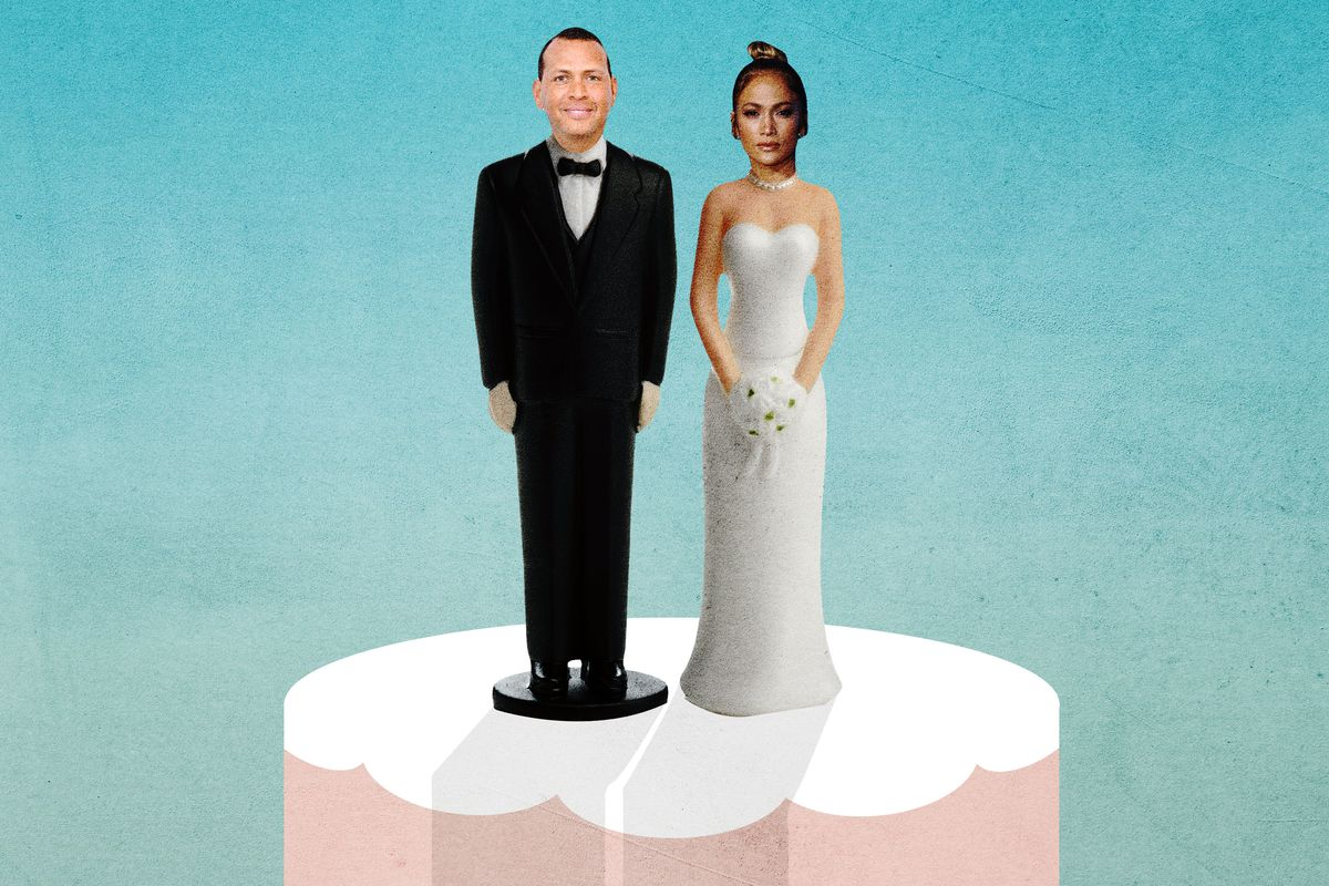 Alex Rodriguez and Jennifer Lopez as wedding cake toppers