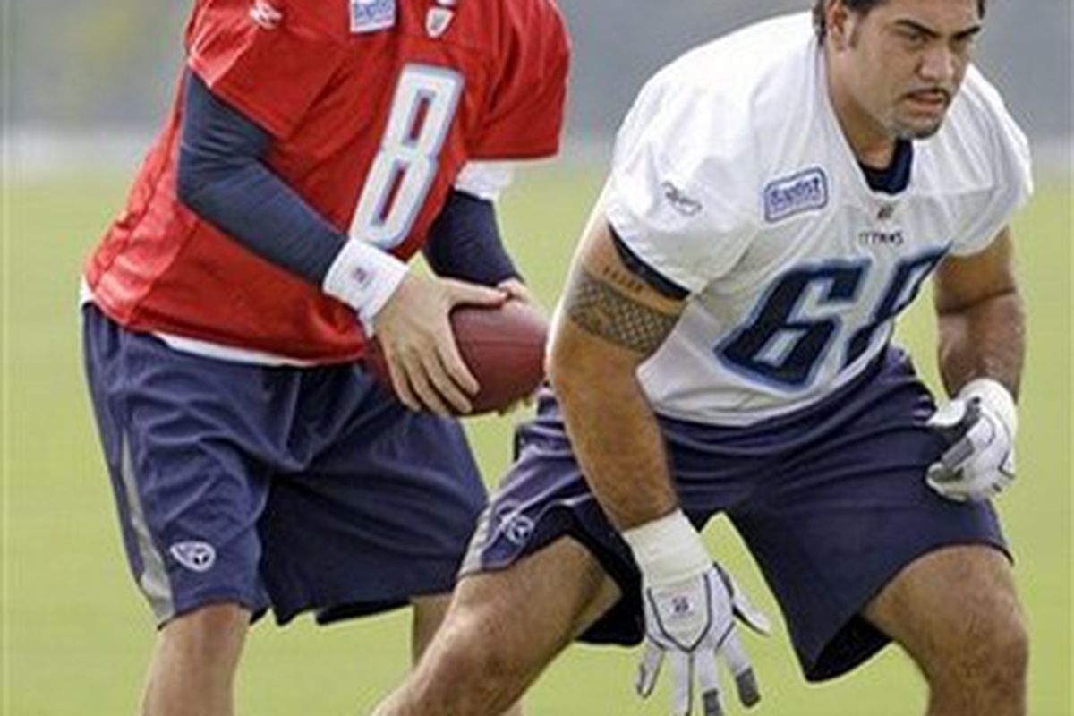 Tennessee Titans quarterback Chris Simms practices on his footwork at Baptist Sports Park (GETTY IMAGES)