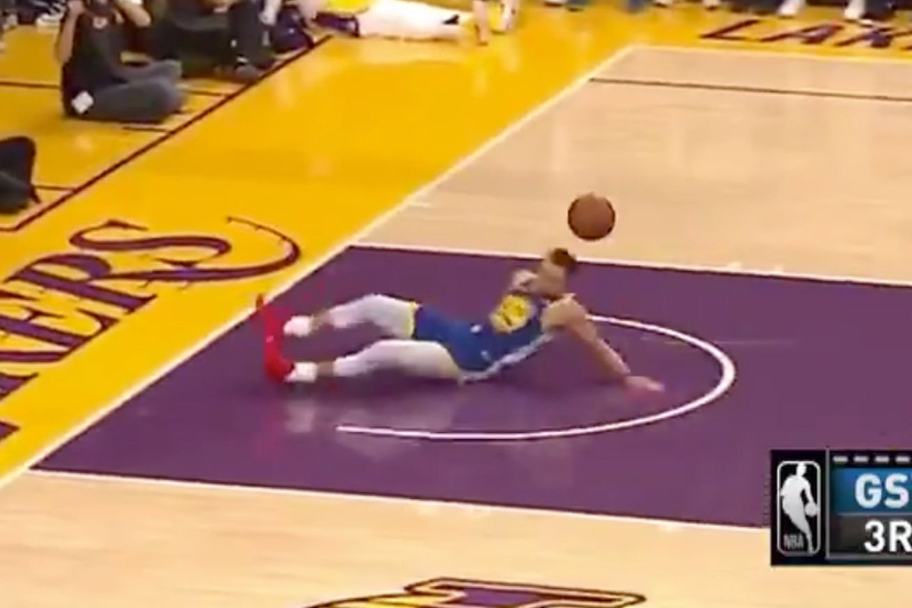 steph no.0 - Stephen Curry slipped into something less comfortable